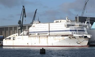 Brittany Ferries' LNG-powered HONFLEUR and the ro-ro MARIA GRAZIA ONORATO alongside FSG's outfitting quay © Frank Heine