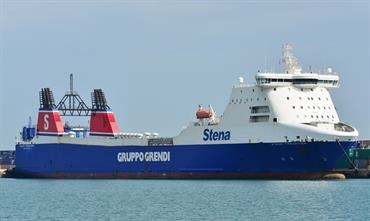Like her sister ship STENA CARRIER, STENA FREIGHTER will move to the other side of the Atlantic later this year © Marc Ottini