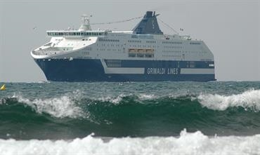 CRUISE ROMA and sister CRUISE BARCELONA will be lengthened by 29 metres © Philippe Holthof