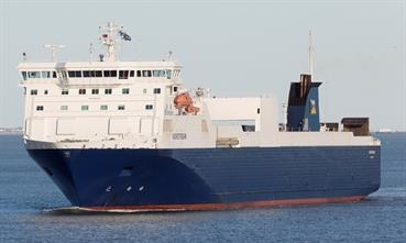 P&O Ferries operates a twice daily dedicated freight service between Tilbury and Zeebrugge © Søren Lund Hviid