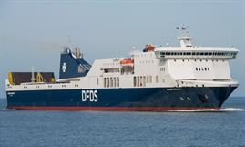 The charter of the scrubber-equipped REGINA SEAWAYS has been extended © Frank Lose