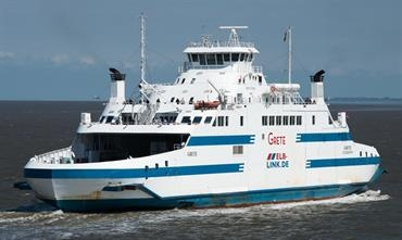 The Cuxhaven-Brunsbüttel service performs better with just one ship © Frank Lose