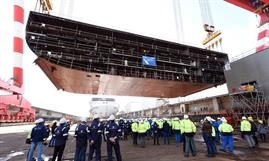 The first block of WONDER OF THE SEAS is lifted into the building dock © RCI