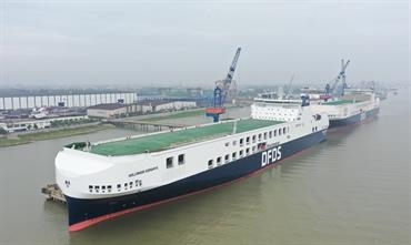DFDS's three ships on the Gothenburg-Zeebrugge route will be replaced by a 6,695-lanemetre mega freighter built by Jinling. The latest such freighter, HOLLANDIA SEAWAYS, will be introduced between Gothenburg and Ghent this weekend. © DFDS